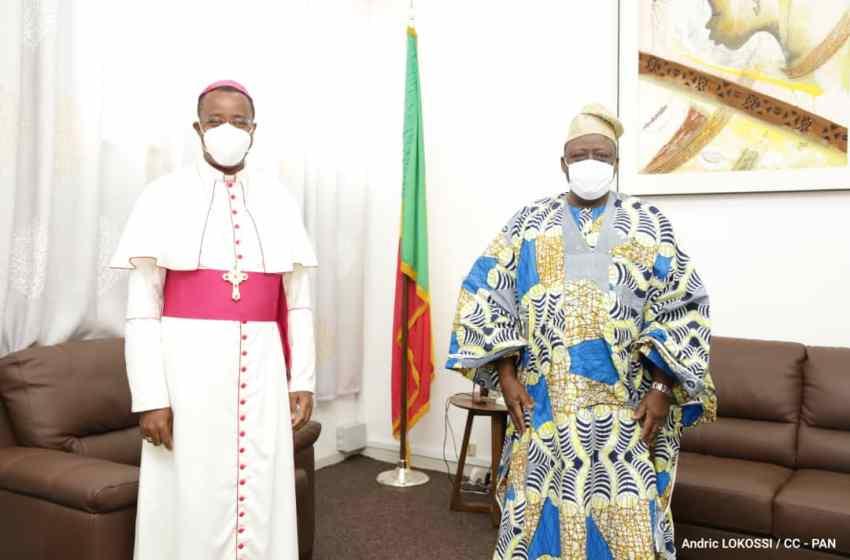 Mgr Brian Udaigwe, le Nonce Apostolique après son audience avec le Président Louis Vlavonou: «A travers le Président de l'Assemblée Nationale, j'ai aussi salué et remercié tous ceux qui m'ont accueilli et m'ont appuyé pendant mes visites pastorales dans plusieurs parties du Bénin.»