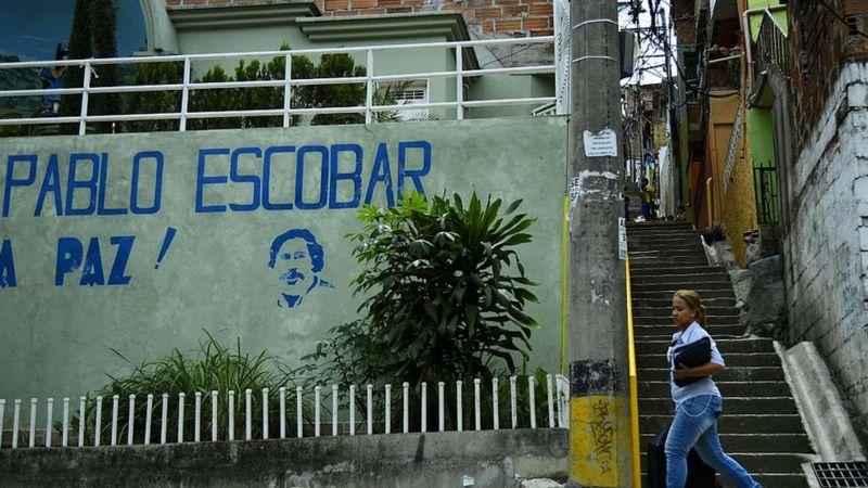Pablo Escobar : de l'argent caché dans un mur trouvé dans la maison d'un baron de la drogue