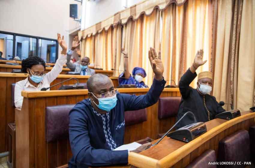 Porto-Novo/Palais des Gouverneurs: Voici ce que pensent les députés du 3ème rapport d'activités du Président Louis G. Vlavonou