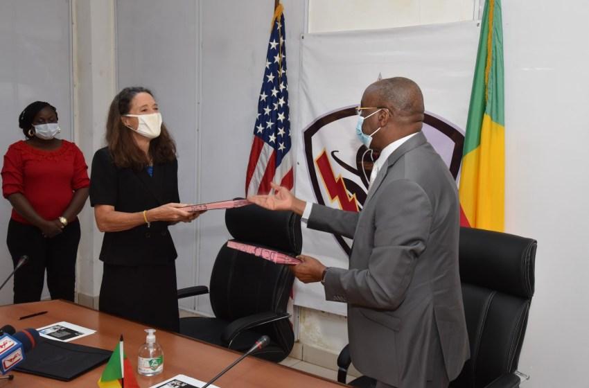 Coopération: L'Ambassade des Etats-Unis et le Ministère de l'Intérieur Signent une Lettre d'Accord pour la Mise en Place d'une Unité Spéciale d'Intervention