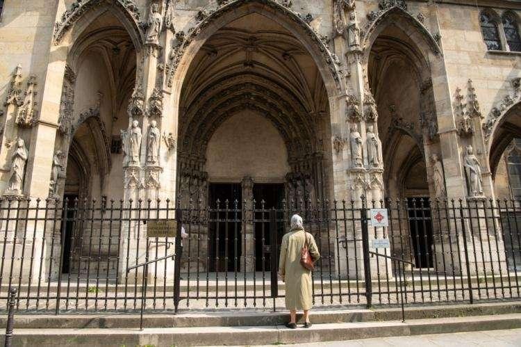 Confinement : La fermeture des lieux de culte a coûté très cher à l'Église catholique de France