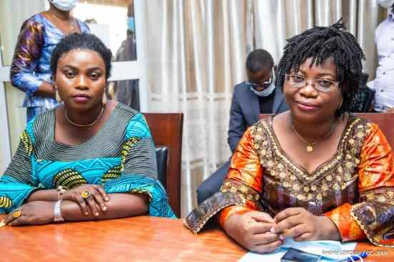 De gauche à droite Carolle Ikoafè, Directrice adjointe de l'Unaceb et François Timé Directrice adjointe des Services Législatifs