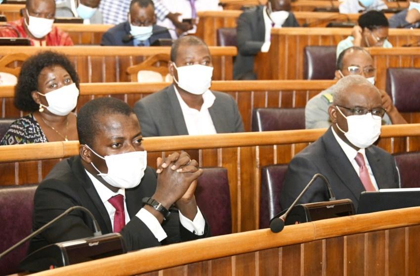 Bénin/Pollution des cimenteries Cimbenin à Sekandji et Scb à Xwlacodji: Le Ministre Tonato expose les mesures du Gouvernement aux députés