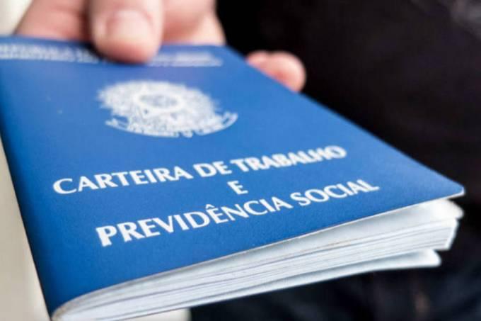 Conexão Trabalho leva serviços gratuitos ao Terminal Pituaçu