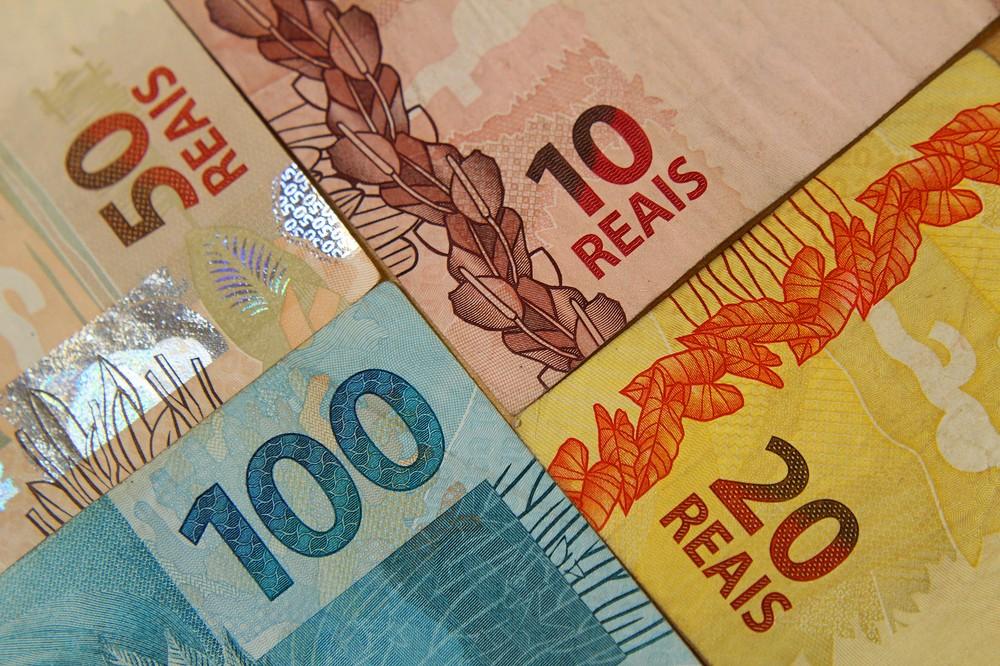 Dívida de aluguel pode ser descontada de salário, decide STJ