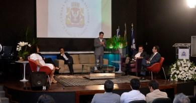 ACM Neto destaca aperfeiçoamento do trabalho dos legisladores durante encontro