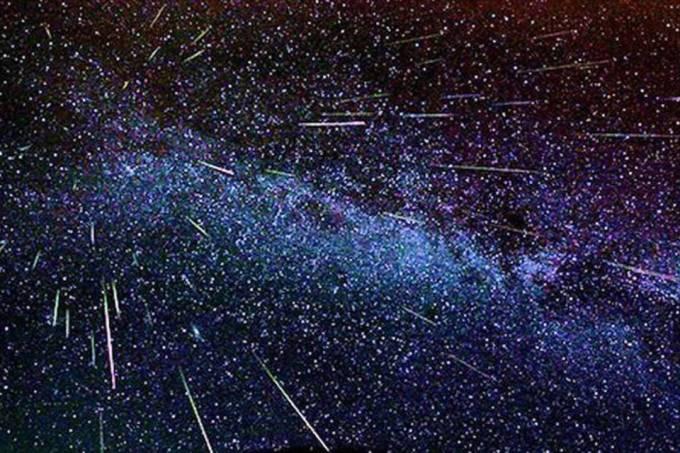 Como assistir a 'chuva de estrelas cadentes' que atingirá a Terra na magrugada(12-13)