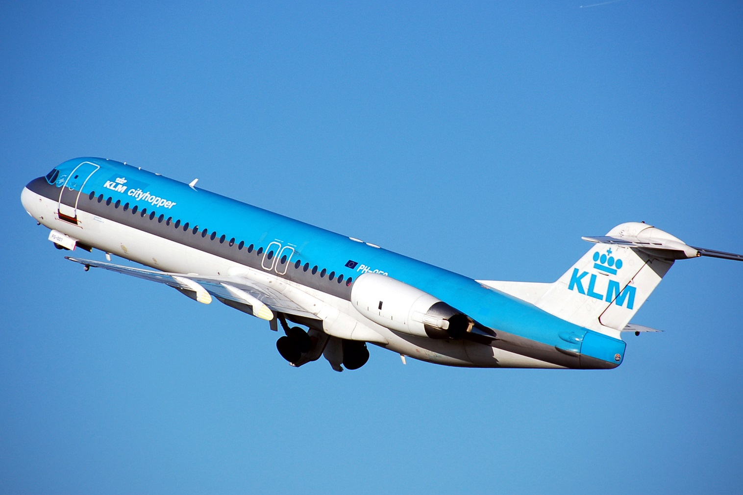 KLM Royal Dutch Airlines resumes daily service to seven European destinations