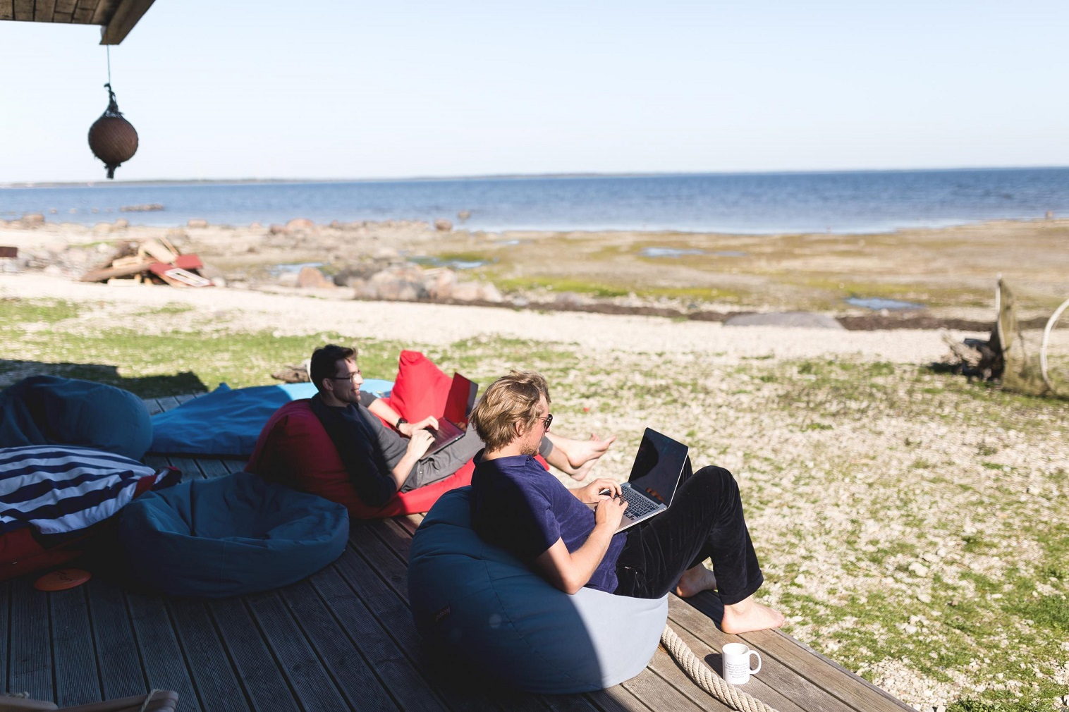 A digital nomad is a person who works remotely, for instance, in IT, finance or marketing while travelling abroad.