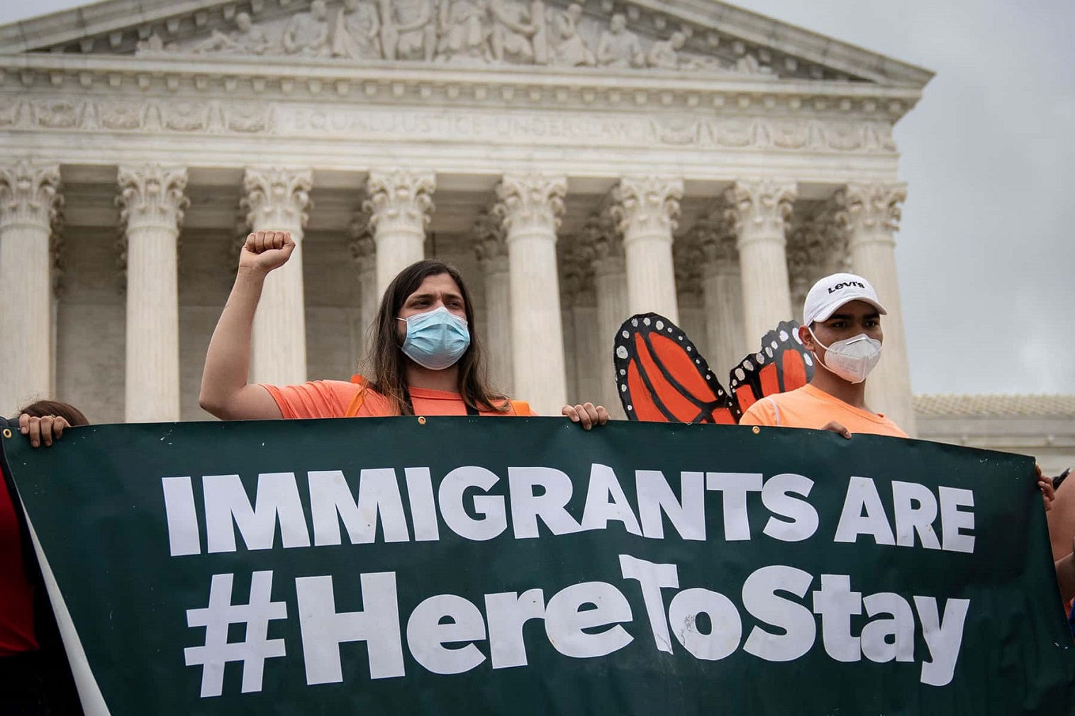 U.S. lawmakers and White House officials Thursday unveiled a sweeping immigration legislation that will open the path to citizenship for 11 million undocumented migrants living in the United States without legal status.