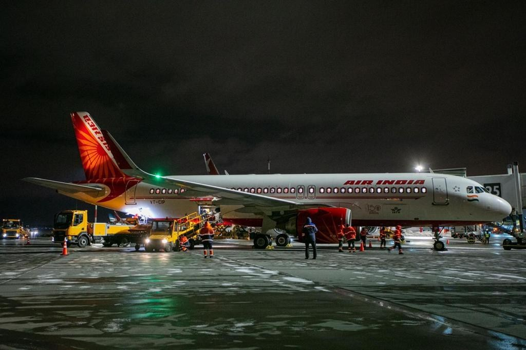 Air India resumed regular flights to Moscow's Sheremetyevo International Airport on February 27 on the Delhi - Moscow - Delhi route. Flights to Moscow (AI 155) will operate on Saturdays, with arrival at 22:35 Moscow time.