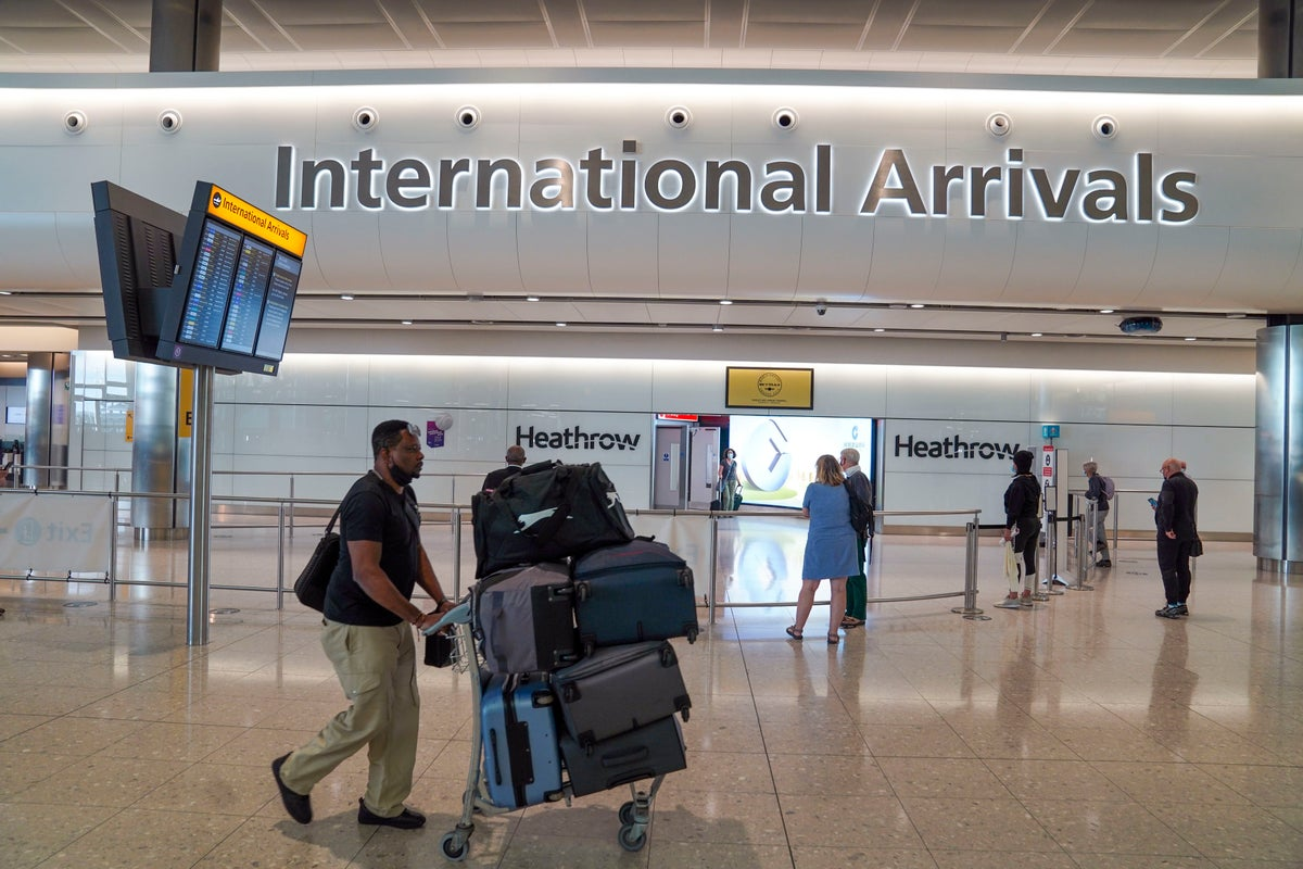 Lateral flow tests to be introduced for vaccinated international arrivals in the UK