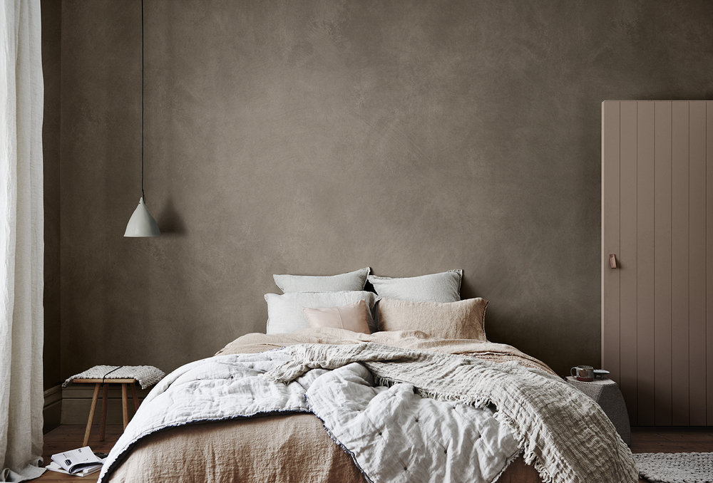 Bedroom design in Sherwin Williams' Heart