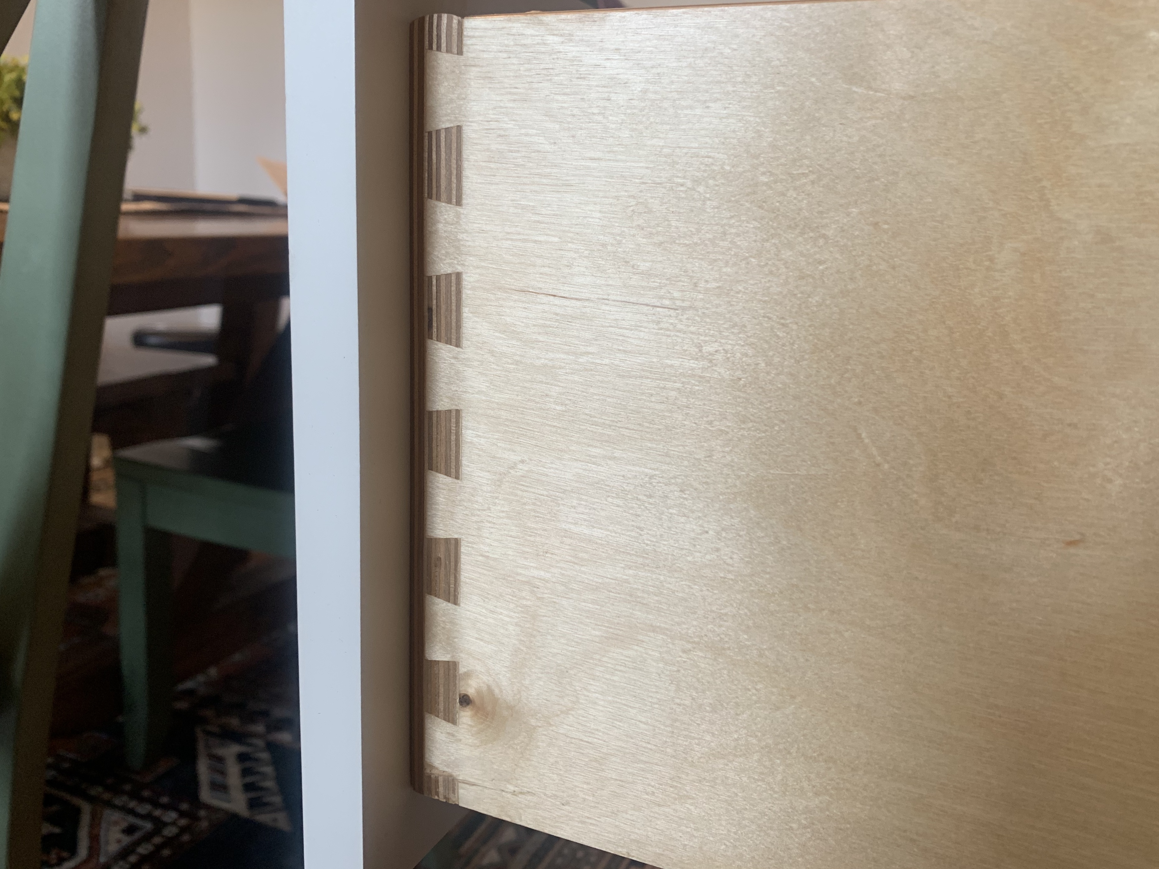 Dovetail joints in a cabinet construction