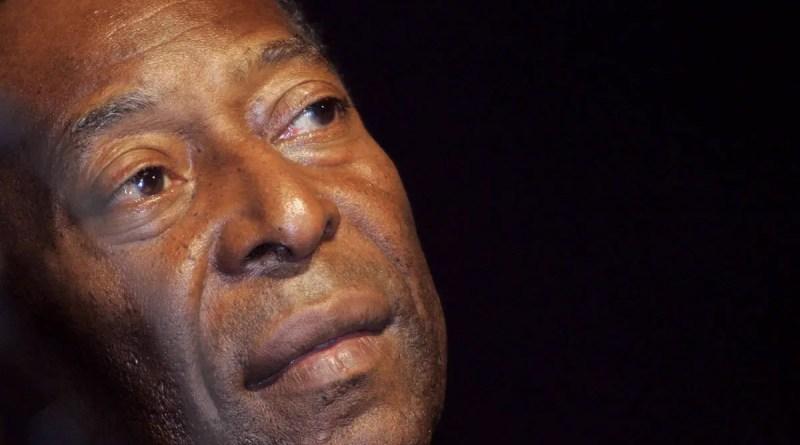 Pelé faz 81 anos, ganha boinas de presente e sonha com Copa no Qatar – 23/10/2021 – Esporte