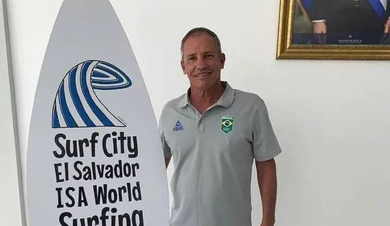 Atletas e federações se unem contra presidente da confederação de surfe – 27/10/2021 – Esporte
