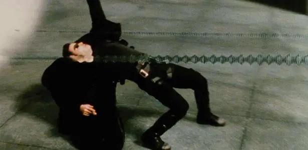 cena do filme matrix 1999 de lana e lilly wachowski Vision Art NEWS
