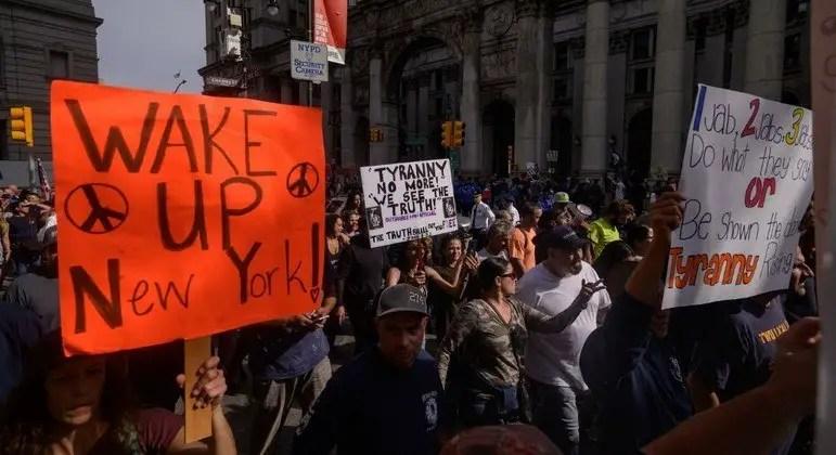Bombeiros de Nova York protestam contra vacinação obrigatória – Notícias