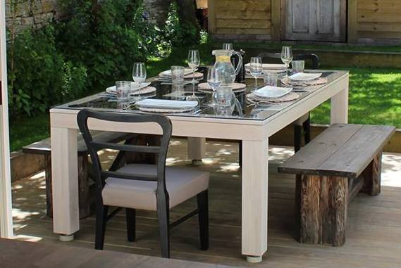 Outdoor Vision DIning Table