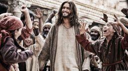 son-of-god-2014-images-brad-pitt-jesus-son-of-god-movie-review