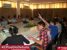 pueblo-debate-uho-vdc7