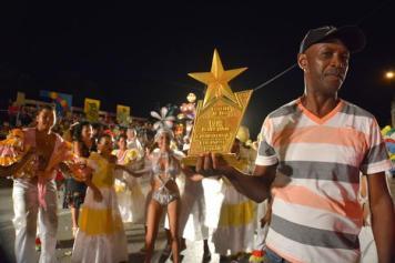 El paseo Alegre Juventud obtuvo el Primer lugar de Paseos del Carnaval Holguín 2016, durante la clausura de la fiesta popular, en la ciudad cubana de los parques, el 21 de agosto de 2016. ACN FOTO/Juan Pablo CARRERAS/sdl