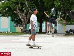 jovenes-patinetas-vdc11