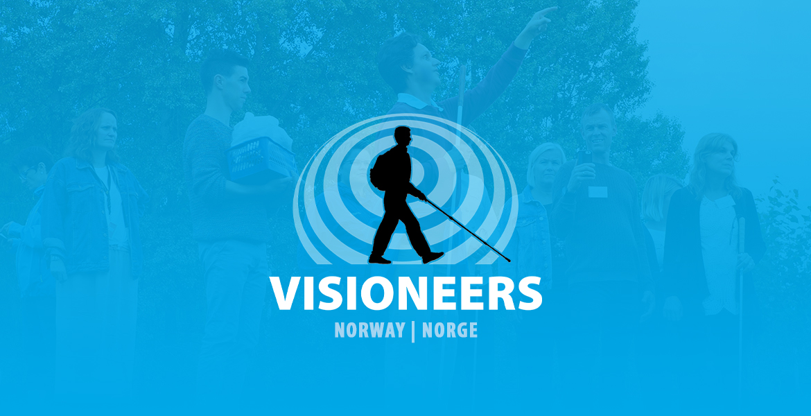 Visioneers Norway logo consists of Lead Visioneer Daniel Kish walking with a full-length perception cane against a sonar wave of expanding circles against a transparent blue backdrop in front of blind people participating in an outdoor Visioneers workshop in Norway.