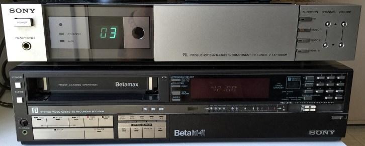 Sony VTX-1000R TV Tuner (top) Sony SL-2700 Beta hi-fi VCR (bottom)