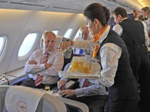 Service an Bord bei Lufthansa