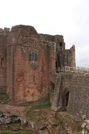 06-goodrich-castle-herefordshire-england