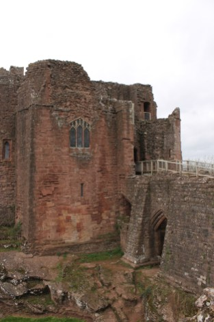 06-goodrich-castle-herefordshire-england