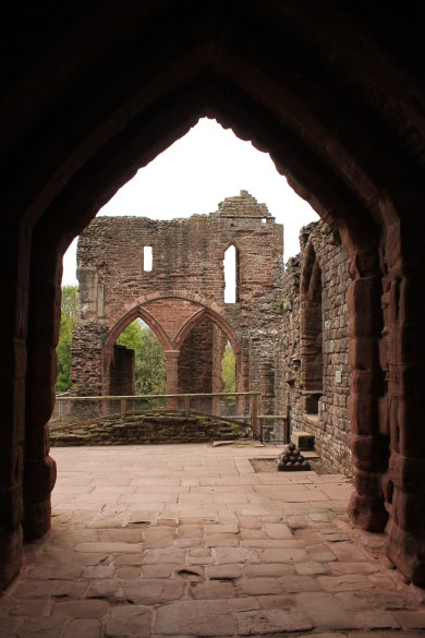 11-goodrich-castle-herefordshire-england