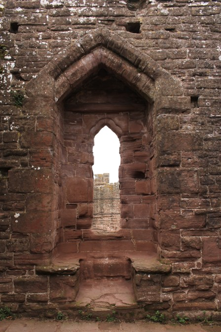 19-goodrich-castle-herefordshire-england