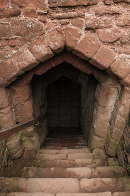 25-goodrich-castle-herefordshire-england