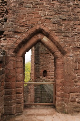 38-goodrich-castle-herefordshire-england