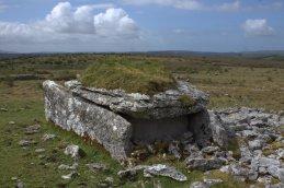 05-parknabinnia-wedge-tomb-clare-ireland