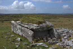 05-parknabinnia-wedge-tomb-clare-ireland