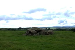 02-matthewstown-passage-tomb-waterford-ireland