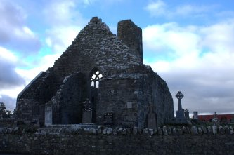 01-aughagower-round-tower-church-mayo-ireland