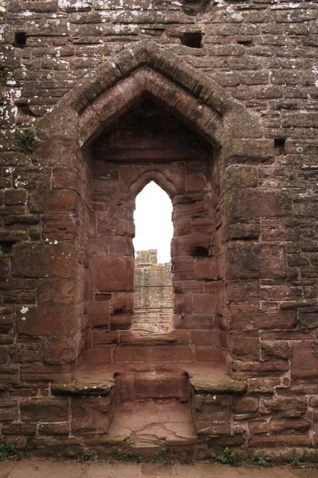 19-goodrich-castle-herefordshire-england