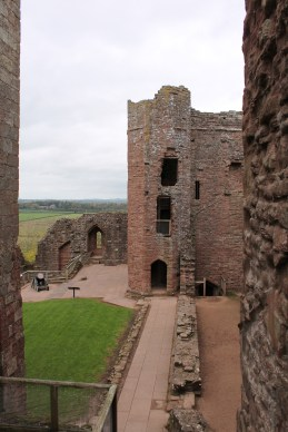 23-goodrich-castle-herefordshire-england