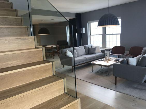 Modern Stair Wood Platform 1