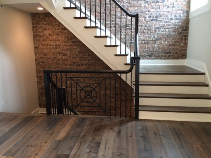 40 - Modern Farmhouse Freestanding Straight Stair metal balusters