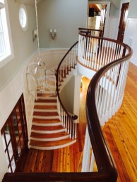 Heart Pine curve stair with Mahogany Rail