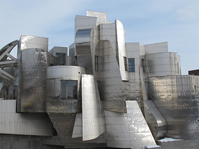 "Weisman Art Museum, U of M Campus in Minneapolis. Image by <a href=""https://flic.kr/p/7BCShj"" target=""_blank""> Ali Eminov/flickr</a>"