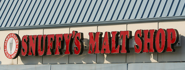 "Snuffy's Malt Shop, St. Paul, Minnesota. Image by <a href=""https://flic.kr/p/p8qAQ"" target=""_blank""> Faruk Ates/flickr</a>"