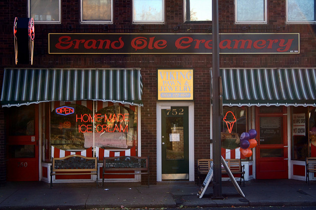 "Grand Ole Creamery. Image by <a href=""https://flic.kr/p/r1rWM"" target=""_blank""> Michael Hicks/flickr</a>"