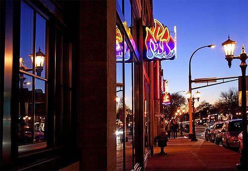 """Café Latte on Grand Avenue, St. Paul. Image by  <a href=""""https://flic.kr/p/5y98Bb"""" target=""""_blank""""> Teresa Boardman/flickr</a>"""