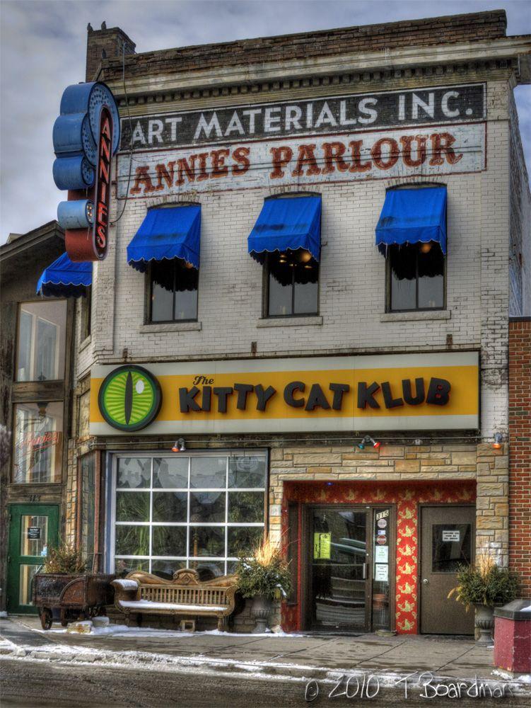 """Kitty Cat Klub. Image by <a href=""""https://flic.kr/p/7C7TLK"""" target=""""_blank"""">Teresa Boardman/flickr</a>"""
